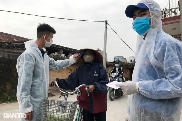 Người dân tâm dịch thành phố Chí Linh đi chợ bằng thẻ theo ngày chẵn lẻ - Ảnh 4.