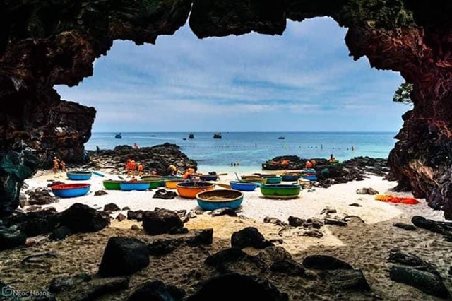 Quảng Ngãi: Khách ra đảo du xuân 7 ngày tết, chỉ bằng hơn nữa ngày năm trước  - Ảnh 8.