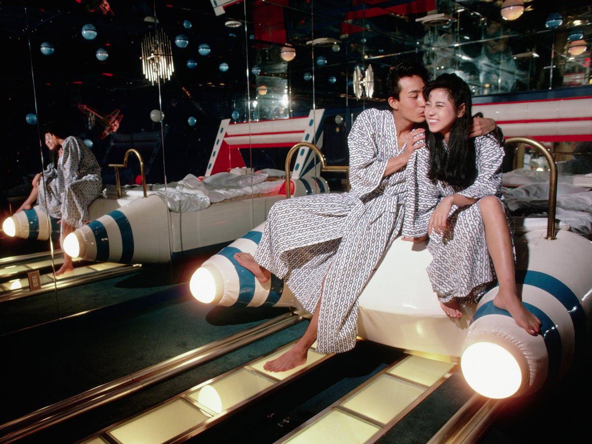 """Nhật Bản: Khách sạn tình yêu """"chết dần"""" vì thanh niên """"lười yêu"""" - Ảnh 8."""