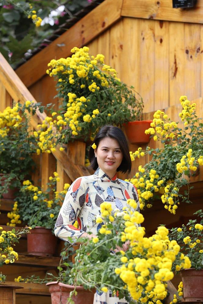 Đầu xuân, hoa khôi bóng chuyền Kim Huệ khoe vẻ đẹp... như tuổi 18 - Ảnh 5.