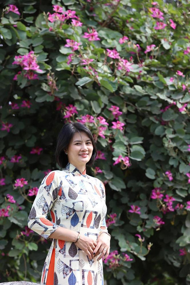 Đầu xuân, hoa khôi bóng chuyền Kim Huệ khoe vẻ đẹp... như tuổi 18 - Ảnh 11.