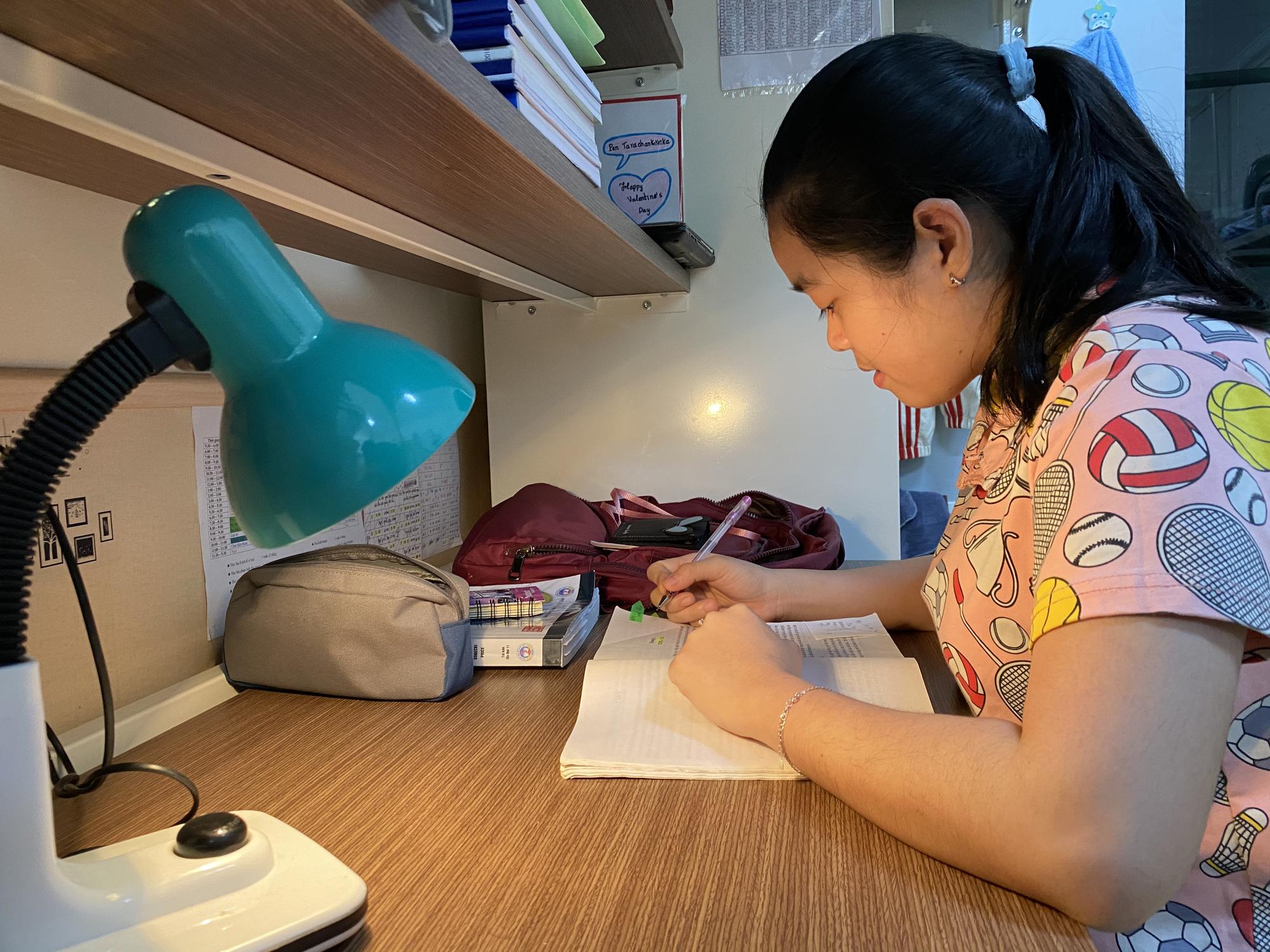 Cuộc sống đặc biệt giữa bối cảnh dịch bệnh Covid-19 của những sinh viên, lưu học sinh nước ngoài trên đất Việt - Ảnh 5.