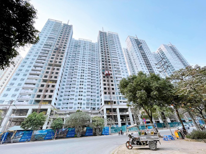 Gần 1.000 doanh nghiệp địa ốc giải thể, lãi suất cho vay mua nhà giảm sâu - Ảnh 2.