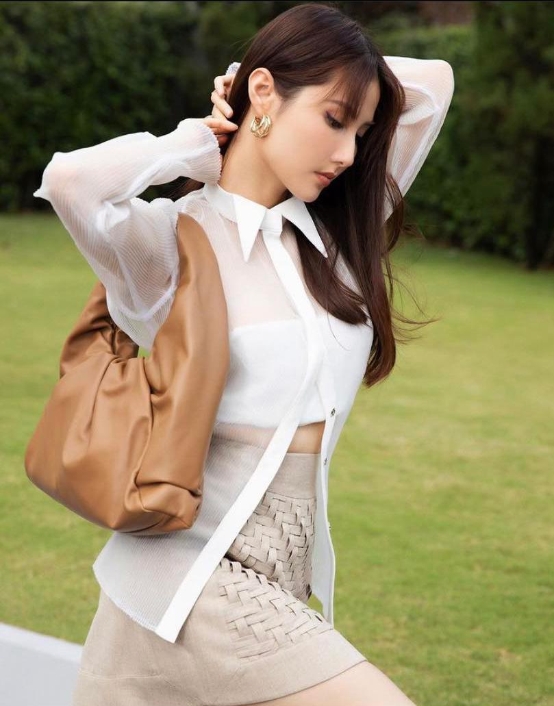 Ngắm phong cách thời trang khi du xuân của các mỹ nhân Việt - Ảnh 8.