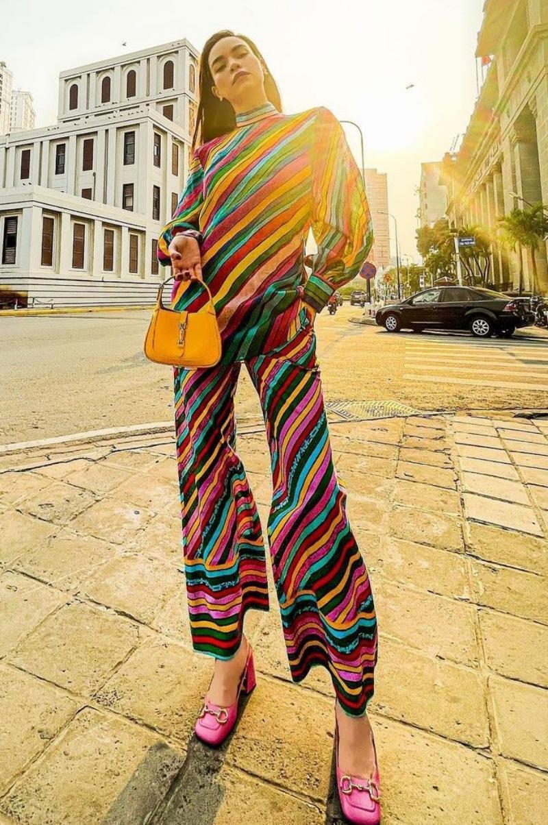 Ngắm phong cách thời trang khi du xuân của các mỹ nhân Việt - Ảnh 1.