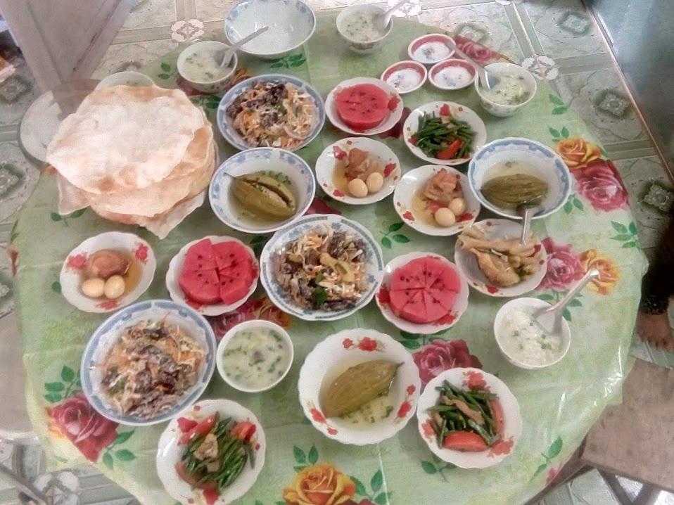 Kể chuyện làng: Nhớ mùi cơm gạo Nàng Thơm với thịt kho tàu chiều 30 Tết - Ảnh 6.