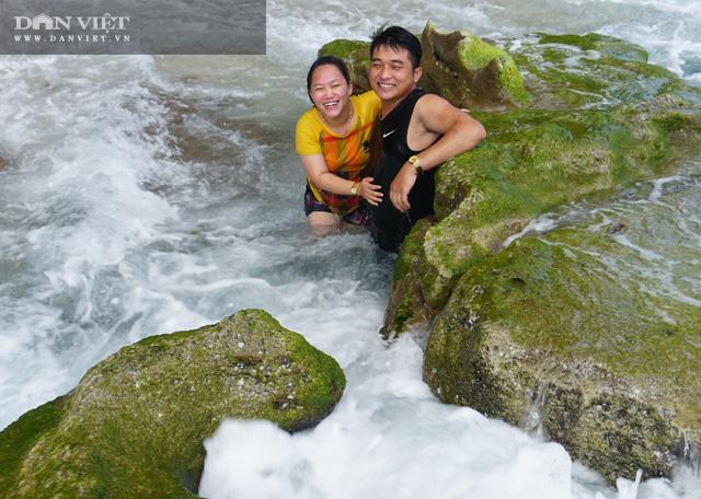 Quảng Ngãi: Mê hoặc rêu xanh nơi sóng tự tình với đá ở thiên đường du lịch  - Ảnh 15.