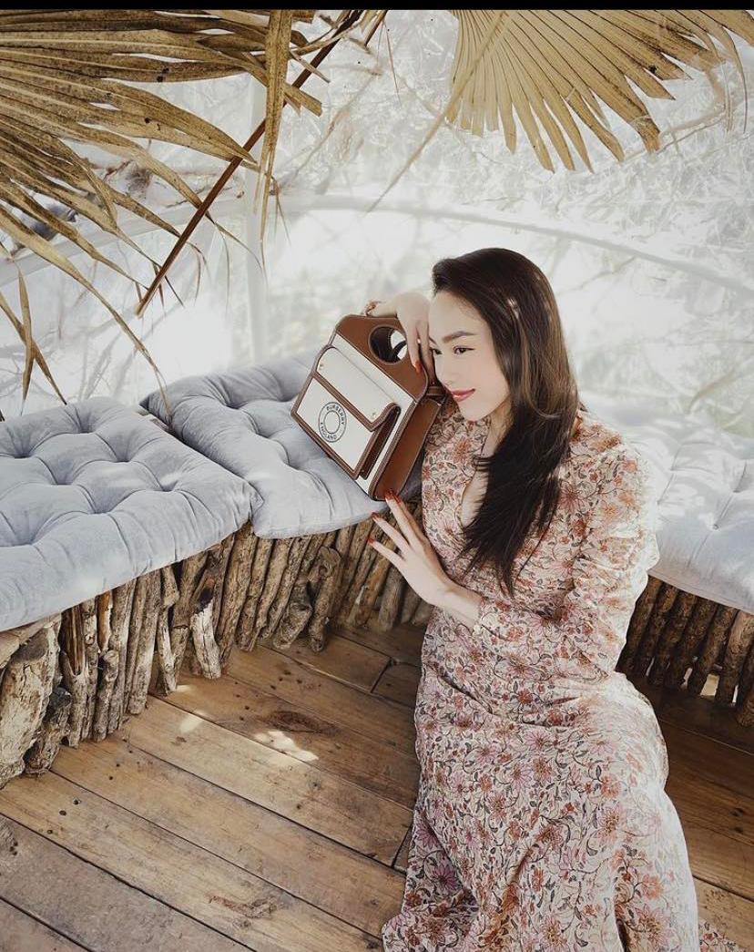 Ngắm phong cách thời trang khi du xuân của các mỹ nhân Việt - Ảnh 6.