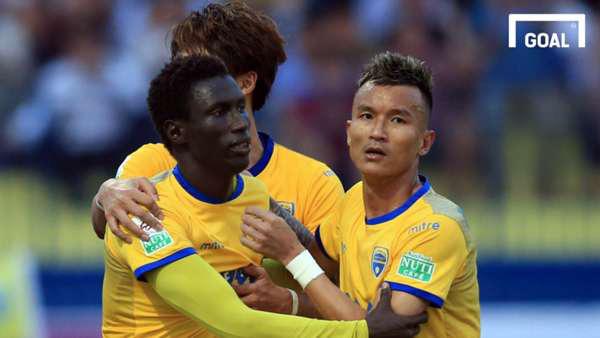 """Pape Omar: """"Đỉnh cao"""" UEFA Champions League, bán độ và... V.League - Ảnh 5."""