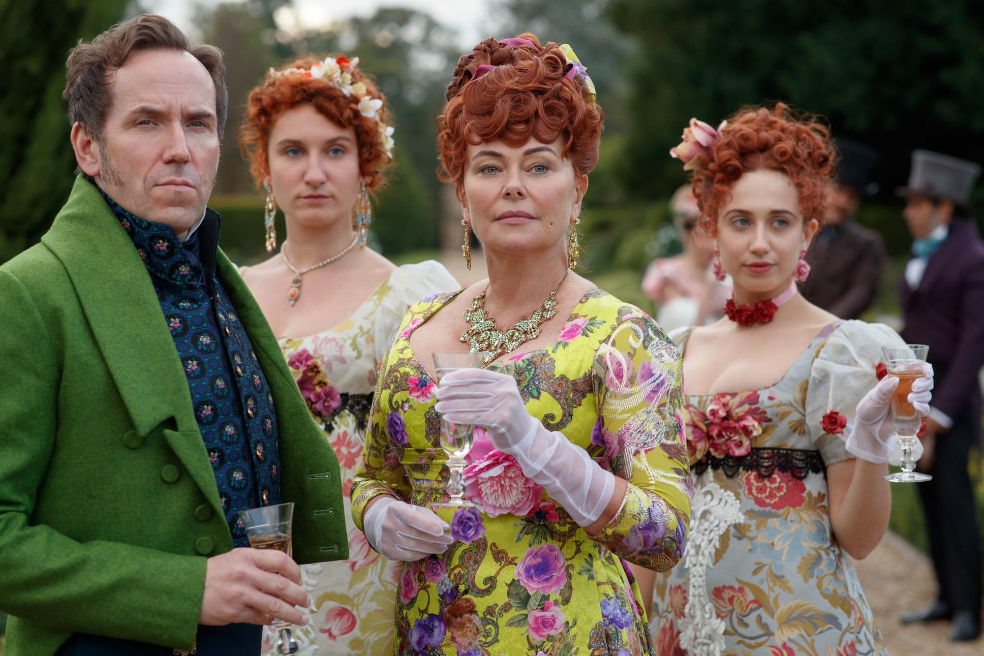 """Đằng sau những bộ trang sức trong phim """"Bridgerton"""" khiến khán giả ngỡ ngàng - Ảnh 3."""
