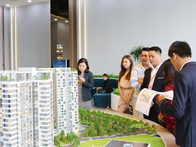 """Cơ hội để doanh nghiệp địa ốc """"gom"""" quỹ đất năm Covid-19 thứ 2 - Ảnh 1."""