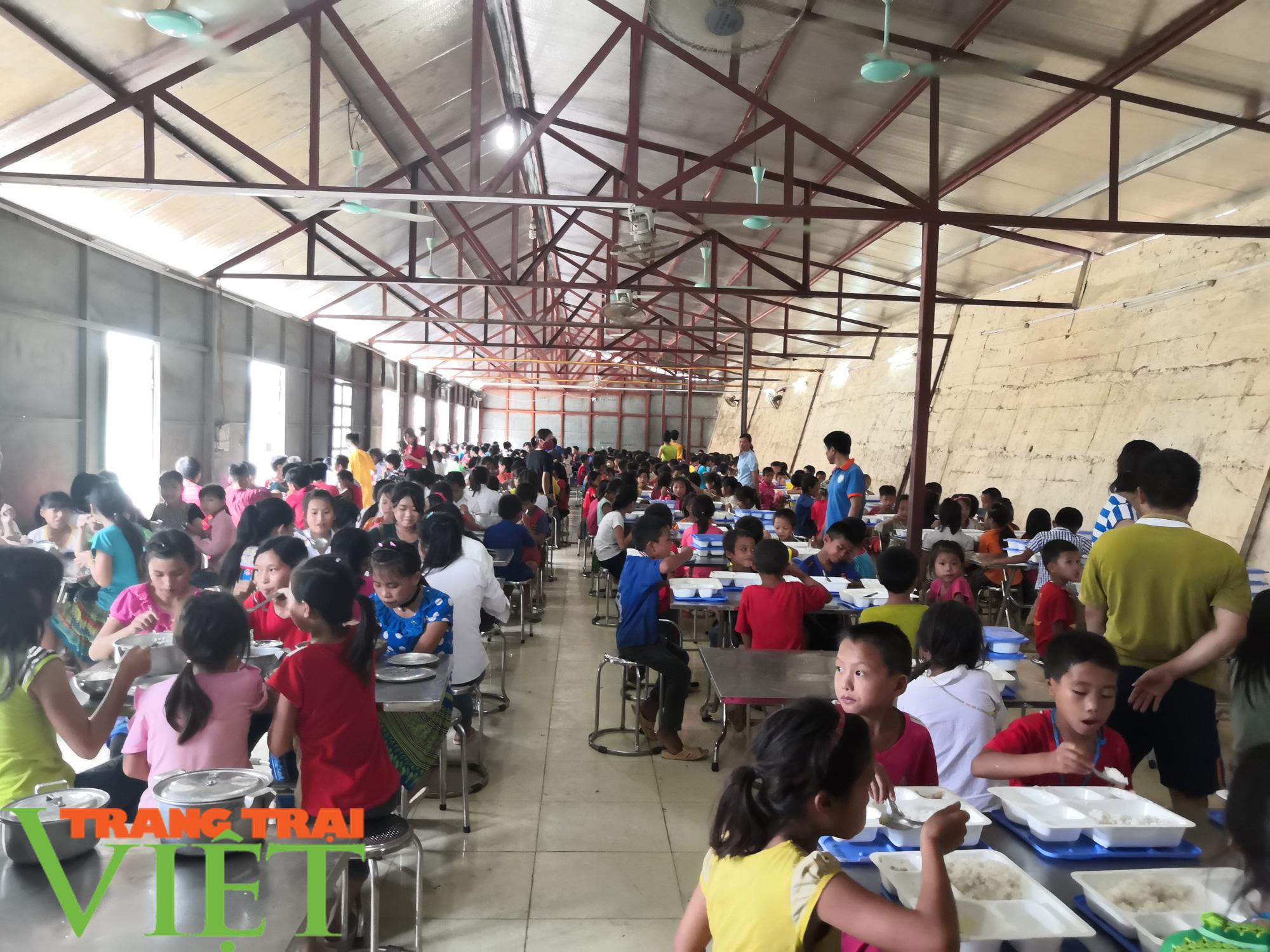 Học sinh, sinh viên nghỉ học Điện Biên nghỉ Tết sớm để tránh Covid-19 - Ảnh 1.