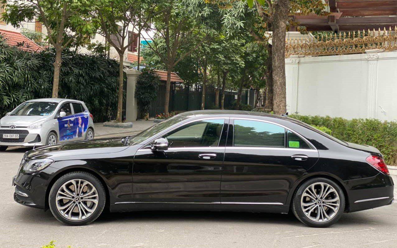 Xe Mercedes sang trọng này chạy hơn 2 vạn rao bán giá khó tin - Ảnh 1.