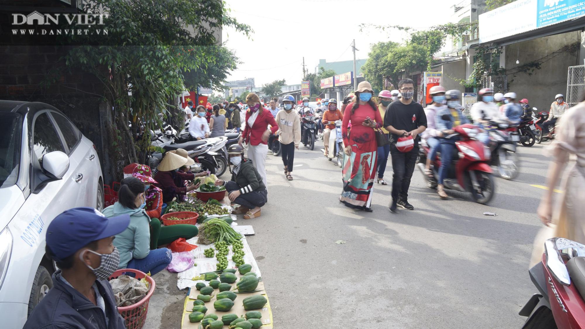 """Phiên chợ """"hiếm thấy"""" ít người biết ở Bình Định, mỗi năm chỉ họp duy nhất 1 lần - Ảnh 8."""