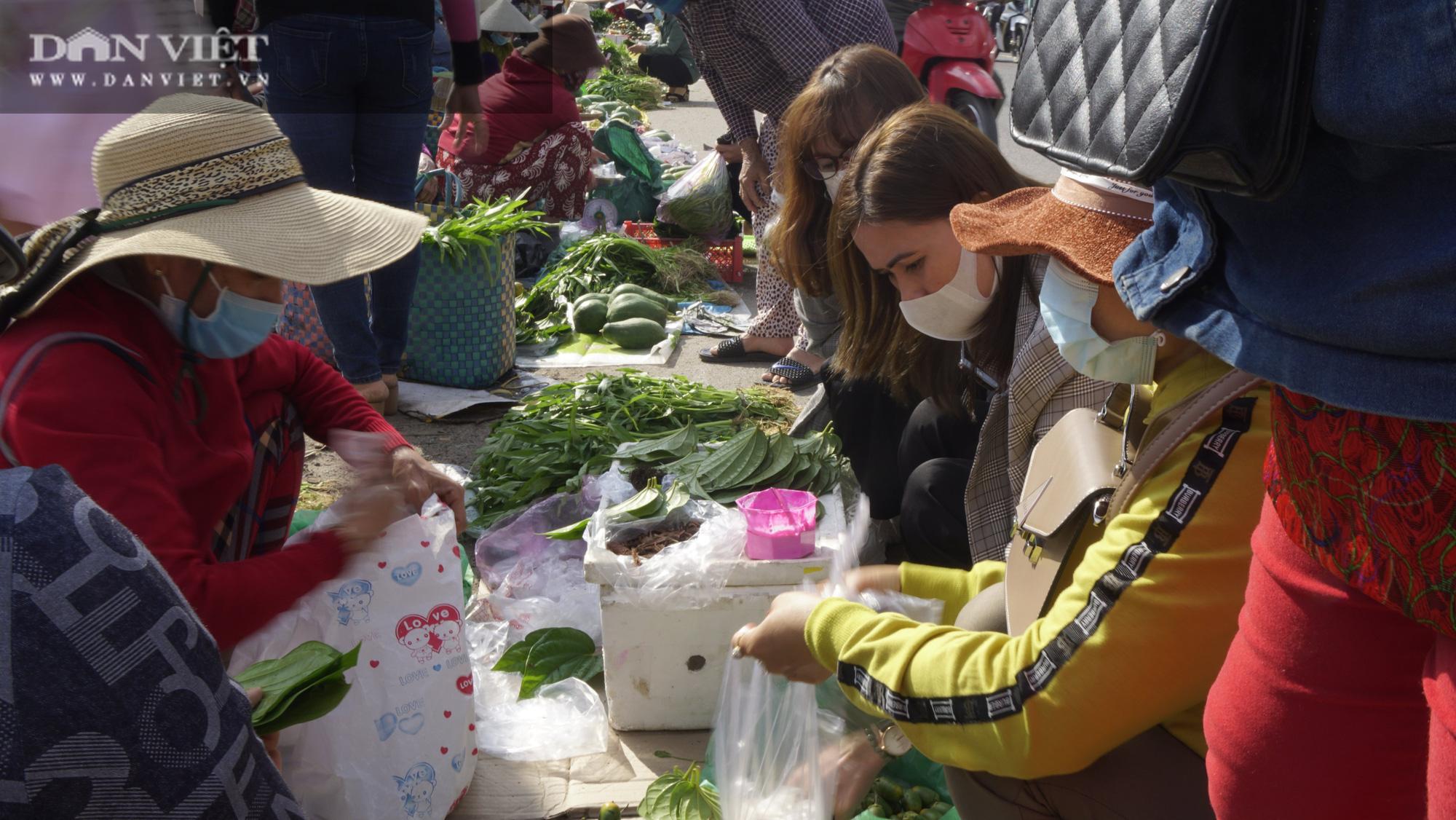 """Phiên chợ """"hiếm thấy"""" ít người biết ở Bình Định, mỗi năm chỉ họp duy nhất 1 lần - Ảnh 5."""