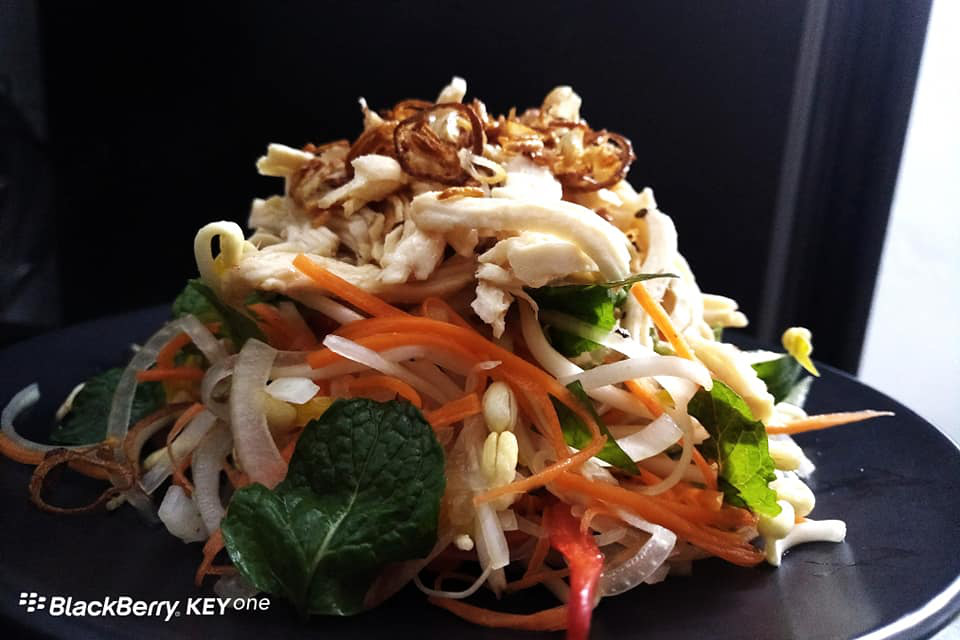 Bí quyết làm món salad ức gà thơm ngon, ít béo