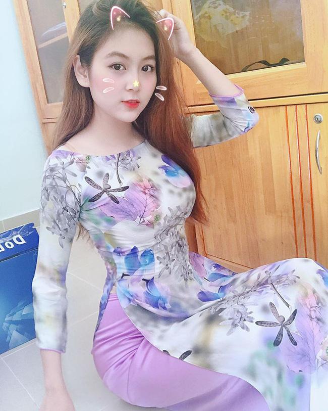 """""""Cô giáo nóng bỏng, gợi cảm nhất Việt Nam"""" sở hữu vóc dáng y như người mẫu - Ảnh 4."""