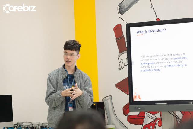 Founder Icetea: Bỏ ngang Đại học, không xin được việc vì quá gầy, ở nhà ăn bám suốt 2 năm, lập ra startup trà đá làm công nghệ blockchain - Ảnh 1.