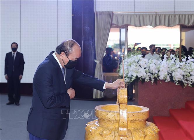 Lễ viếng đồng chí Trương Vĩnh Trọng tại Bến Tre - Ảnh 4.
