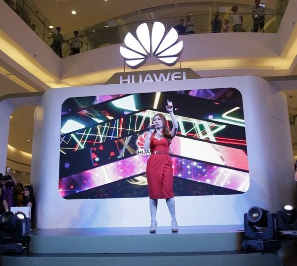 Ca sĩ Mỹ Tâm đại diện cho điện thoại Huawei và cái kết bất ngờ - Ảnh 10.