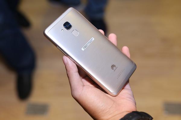 Ca sĩ Mỹ Tâm đại diện cho điện thoại Huawei và cái kết bất ngờ - Ảnh 7.