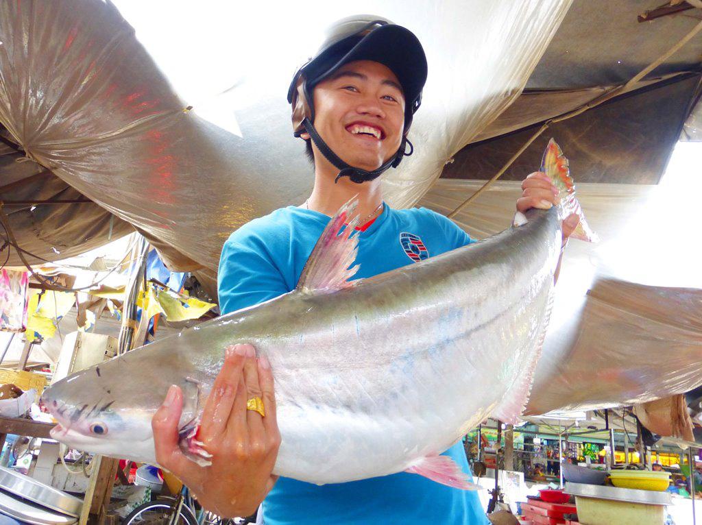 """An Giang: Xóm """"Yết Kiêu"""" độc nhất vô nhị ở miền Tây, thời lặn dưới đáy sông bắt được cá khủng 200 kg còn không! - Ảnh 3."""
