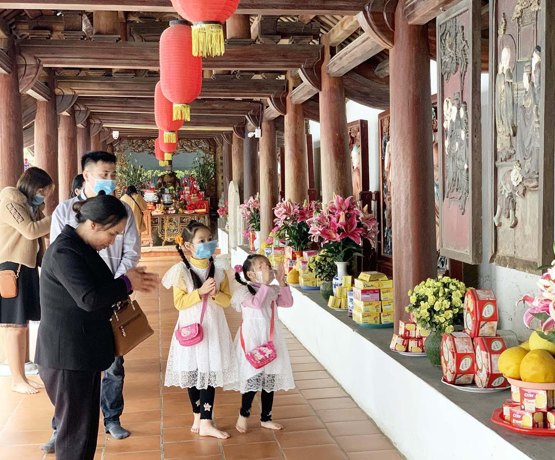 Giáo hội Phật giáo Việt Nam đề nghị các cơ sở thờ tự nhắc nhở người dân đi lễ không tập trung đông người - Ảnh 1.
