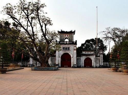 Top 10 chùa linh thiêng nên đi lễ đầu năm ở Việt Nam - Ảnh 9.