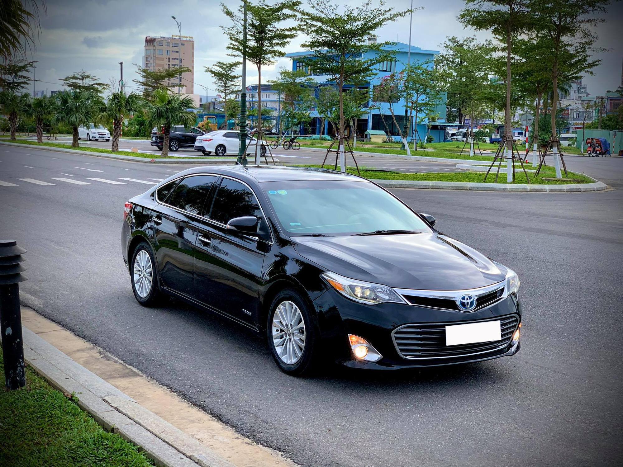 Chạy 12.000km/năm, xe đại gia một thời Toyota Avalon hạ giá rẻ ngang Camry 2021 - Ảnh 1.