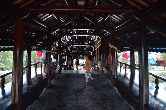 """Thừa Thiên Huế: Đẹp mê mẩn cầu ngói Thanh Toàn gần 250 tuổi sau """"đại trùng tu"""" - Ảnh 6."""