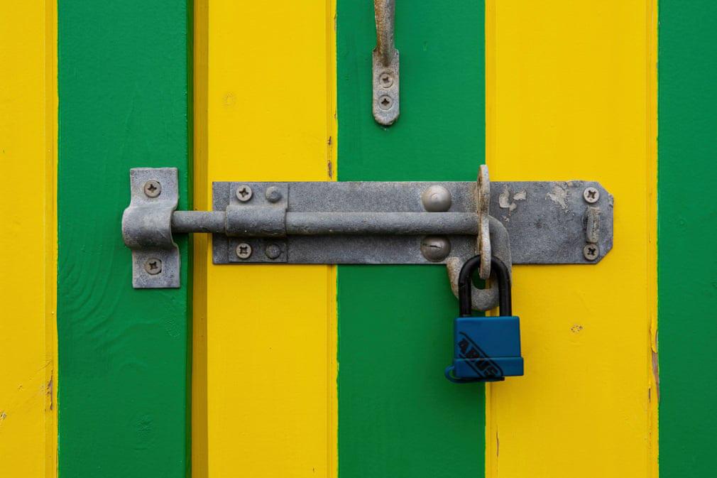Nhiếp ảnh gia chụp hơn 400 ổ khóa trong mùa dịch - Ảnh 5.