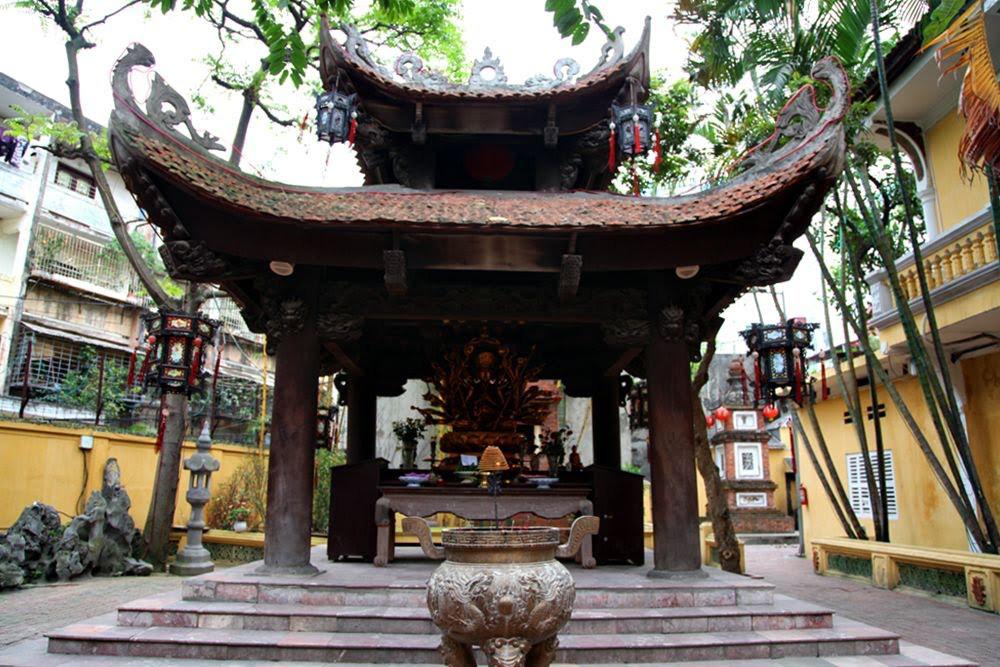 Top 10 chùa linh thiêng nên đi lễ đầu năm ở Việt Nam - Ảnh 1.