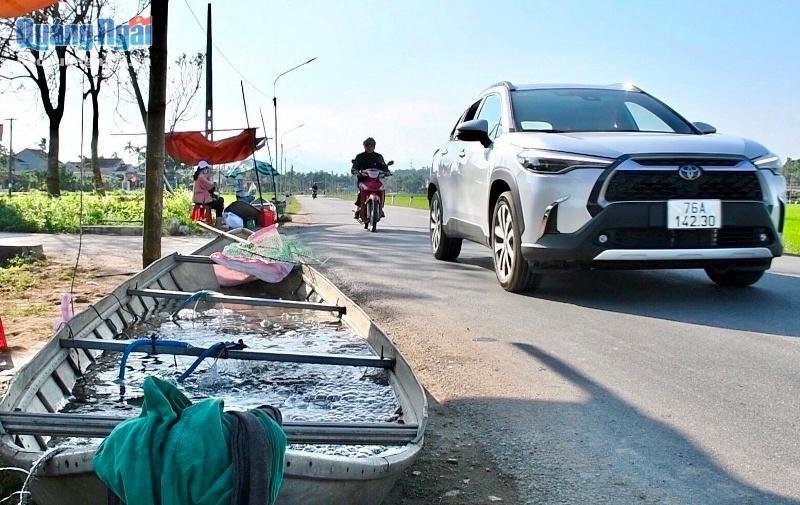 Nuôi loài cá ngon, sạch nổi danh trên sông Trà Khúc, nông dân ở đây mặt ai cũng rạng rỡ vì có thu nhập khá - Ảnh 2.