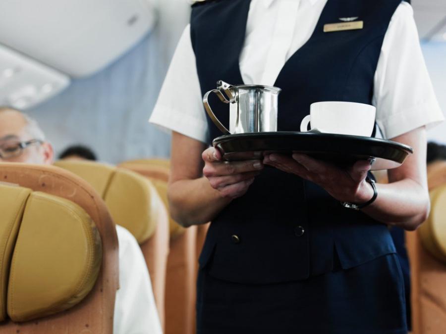 13 kiểu người bị ghét trên máy bay có nên tránh? - Ảnh 8.