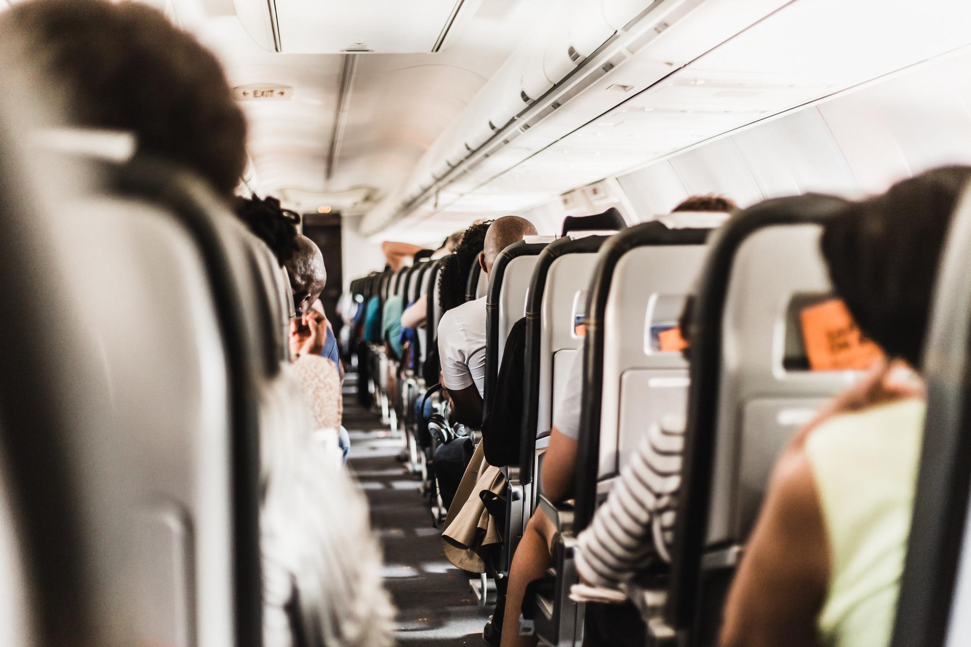 13 kiểu người bị ghét trên máy bay có nên tránh? - Ảnh 9.