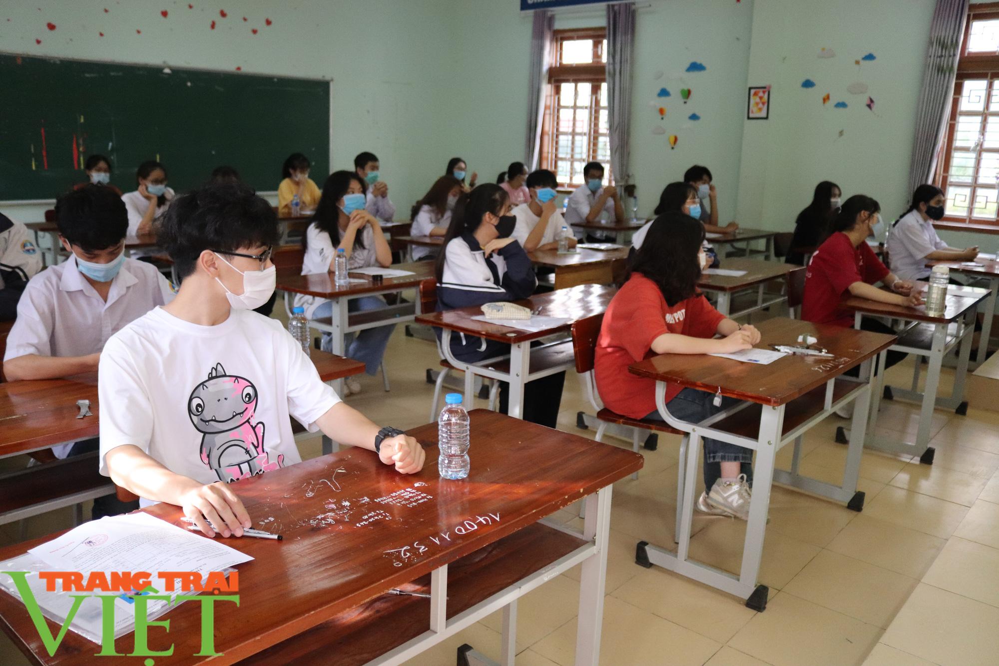 2 ngày nữa, học sinh, sinh viên Sơn La đi học trở lên - Ảnh 1.