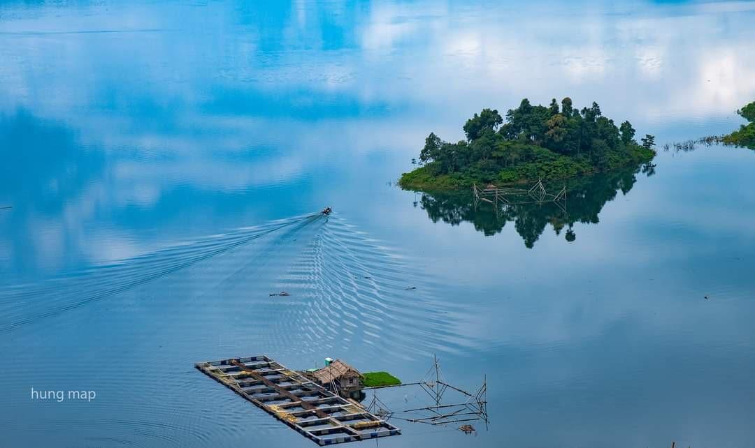 Sông xanh nước biếc Thường Xuân.