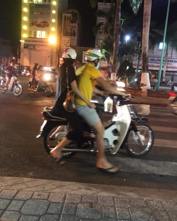 Lộ hình ảnh Công Vinh cùng Thuỷ Tiên đi hẹn hò trên xe Dream - Ảnh 6.
