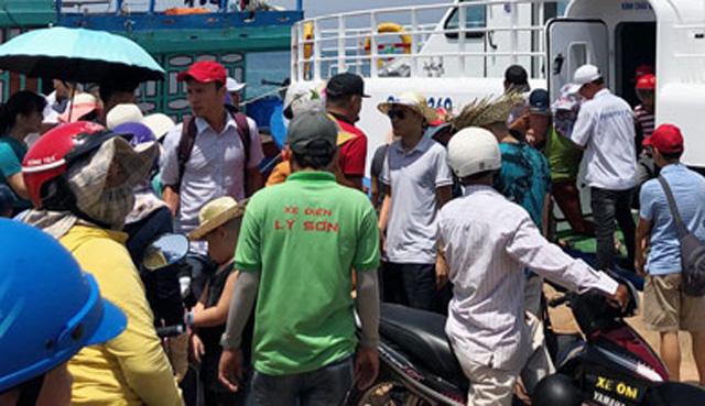 Quảng Ngãi: Cần chấn chỉnh thời gian xuất bến tùy hứng của tàu khách Lý Sơn  - Ảnh 3.