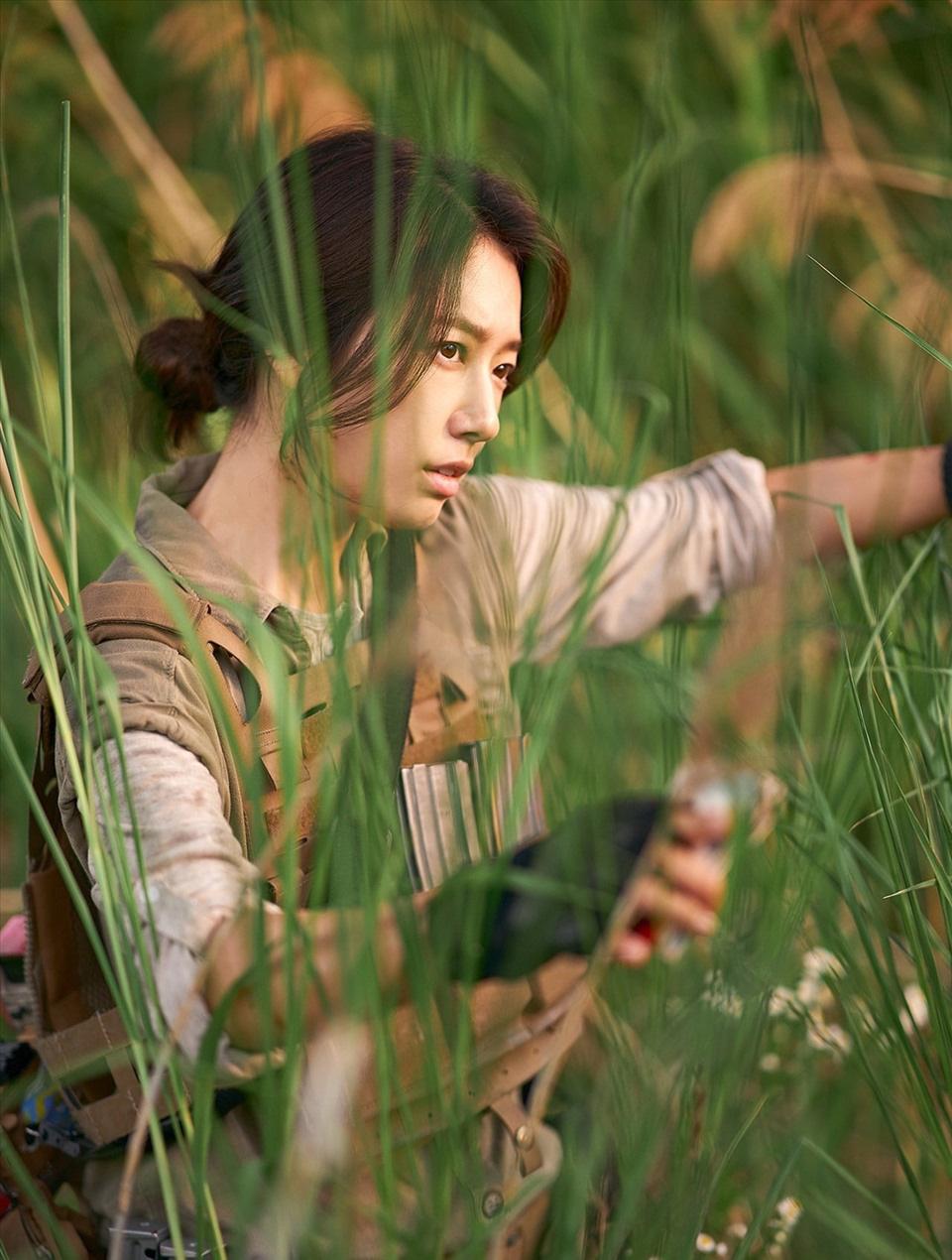 """""""Sisyphus: The Myth"""" vừa lên sóng, tạo hình của Park Shin Hye gây """"sốt"""" - Ảnh 8."""