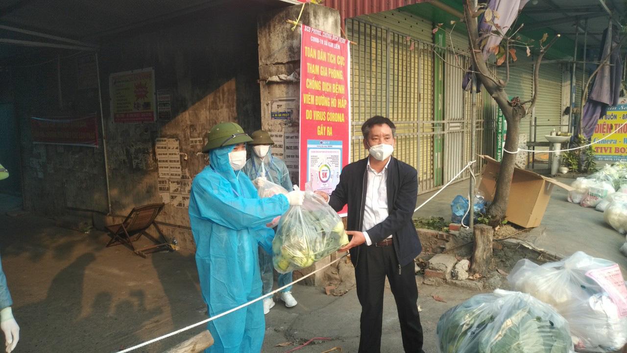 Hải Dương: Sở NNPTNT tỉnh tặng quà người dân vùng dịch Kim Thành - Ảnh 3.