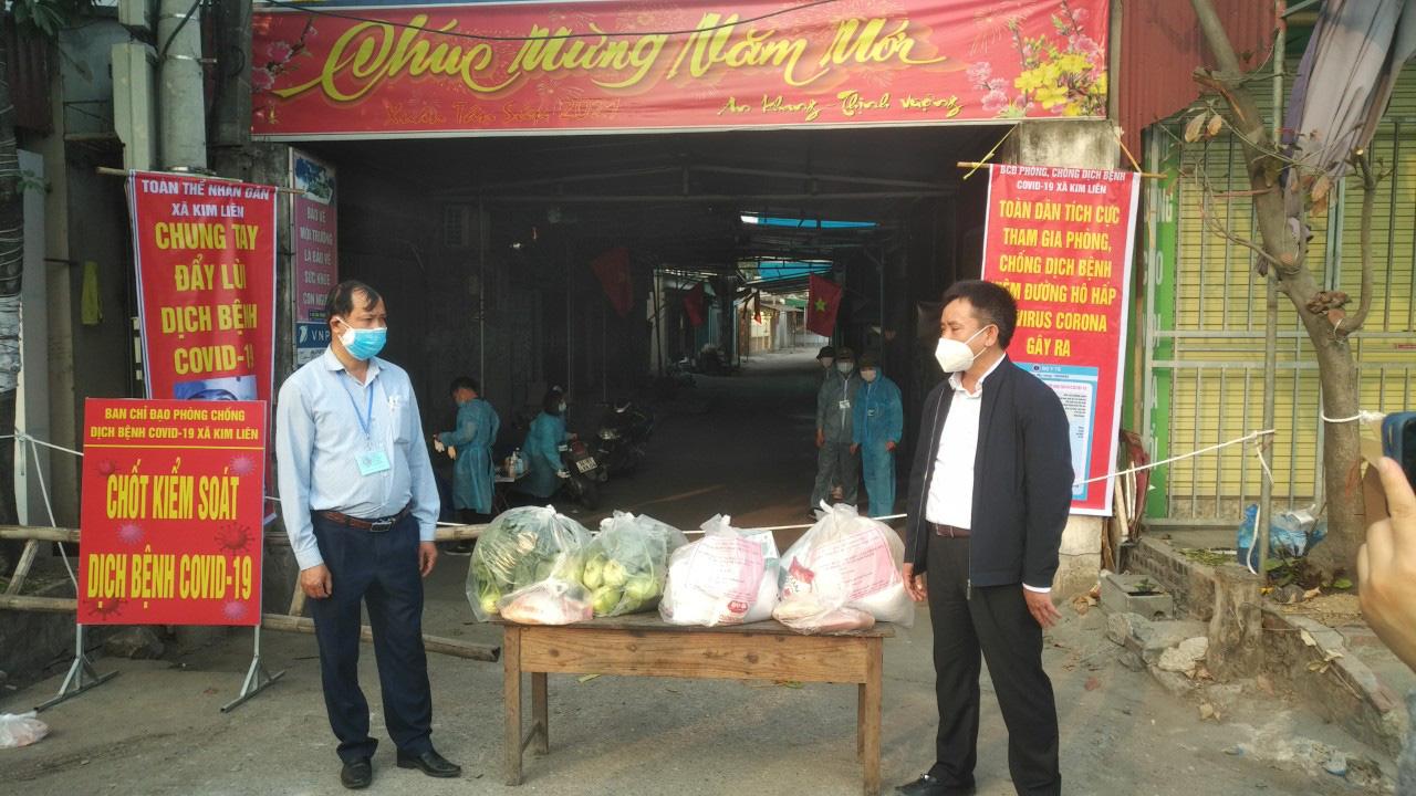 Hải Dương: Sở NNPTNT tỉnh tặng quà người dân vùng dịch Kim Thành - Ảnh 1.