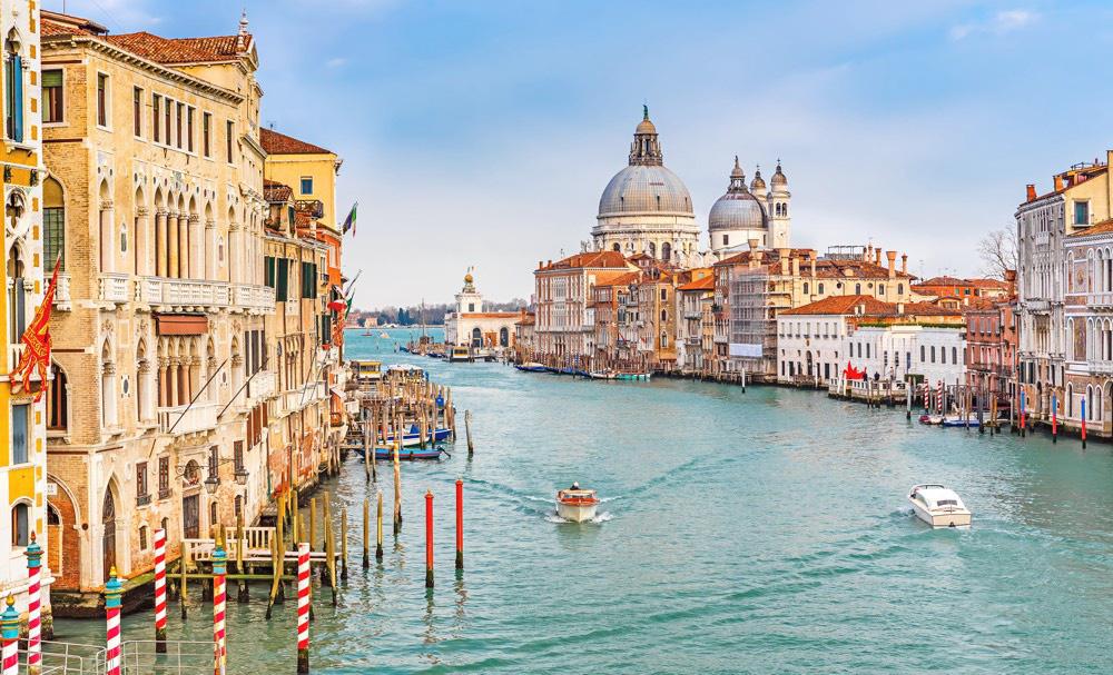 Sững sờ trước vẻ đẹp ngoạn mục của loạt kênh đào nổi tiếng trên thế giới - Ảnh 10.
