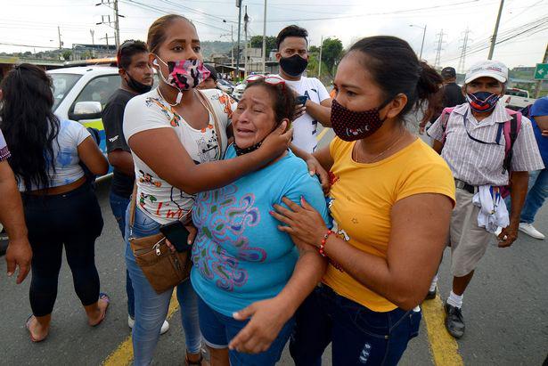 Ít nhất 67 người chết trong những cuộc tranh chấp quyền lực đẫm máu giữa các băng đảng ở nhà tù Ecuador - Ảnh 2.