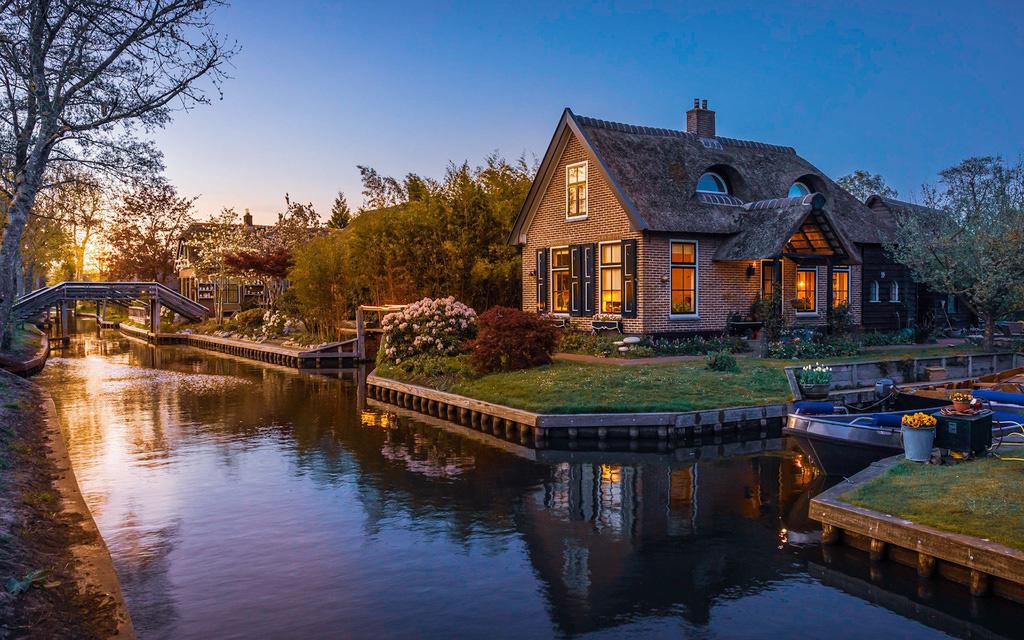 Sững sờ trước vẻ đẹp ngoạn mục của loạt kênh đào nổi tiếng trên thế giới - Ảnh 3.