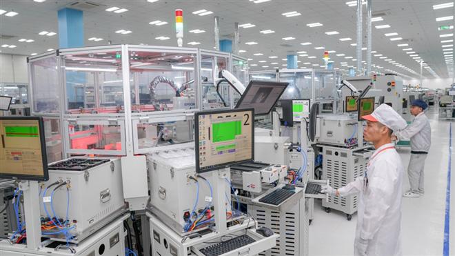 Điện thoại Việt 'lên kệ' tại Mỹ: Kiểm chứng năng lực sản xuất công nghệ Việt Nam - Ảnh 3.