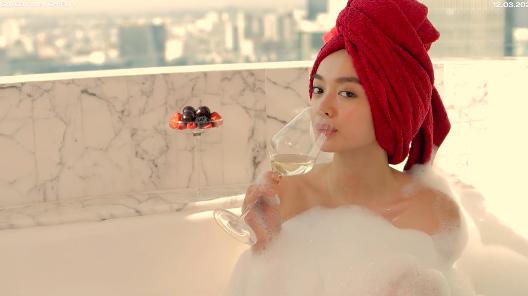 """5 cảnh nóng của """"mỹ nhân trăm tỷ"""" Kaity Nguyễn với bạn diễn nam nóng bỏng gây """"đỏ mặt"""" - Ảnh 1."""