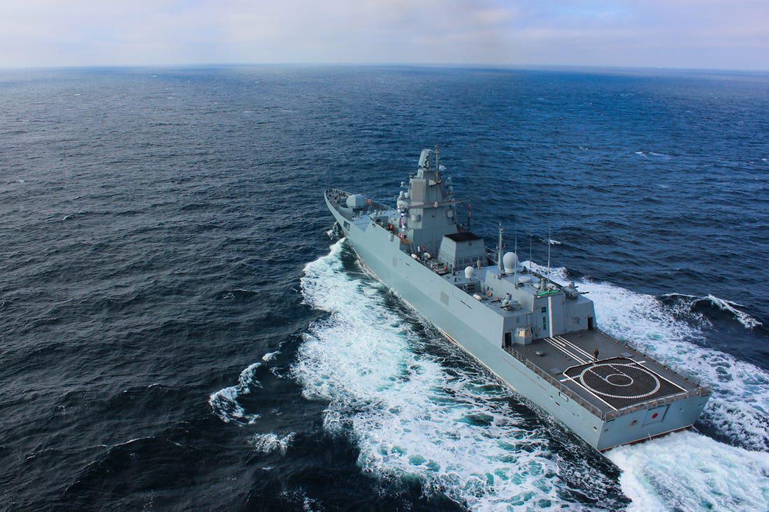 Bí mật quân sự: Uy lực của tàu khu trục khác thường nhất của quân đội Putin - Ảnh 1.