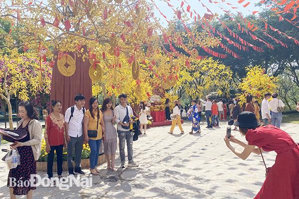 Du lịch Tết Nguyên đán: Quảng Bình, Hà Giang, ế ẩm giảm sâu - Ảnh 2.