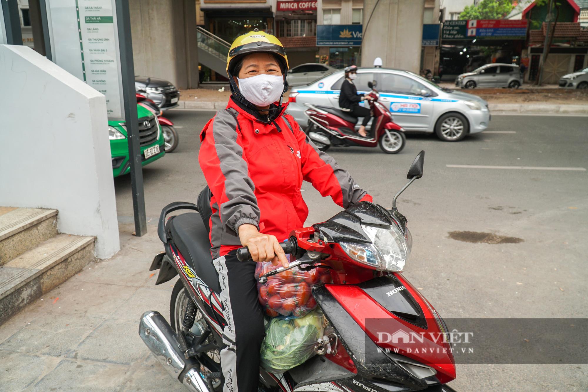 Hơn 4 tấn nông sản ở Mê Linh được giải cứu trong sáng nay - Ảnh 6.